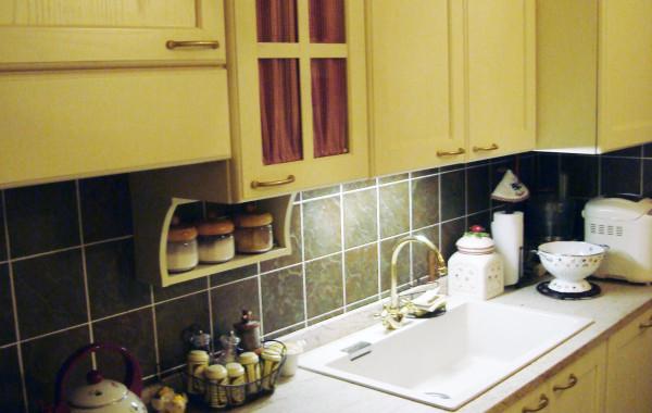 Cucina in stile, rovere laccato bianco